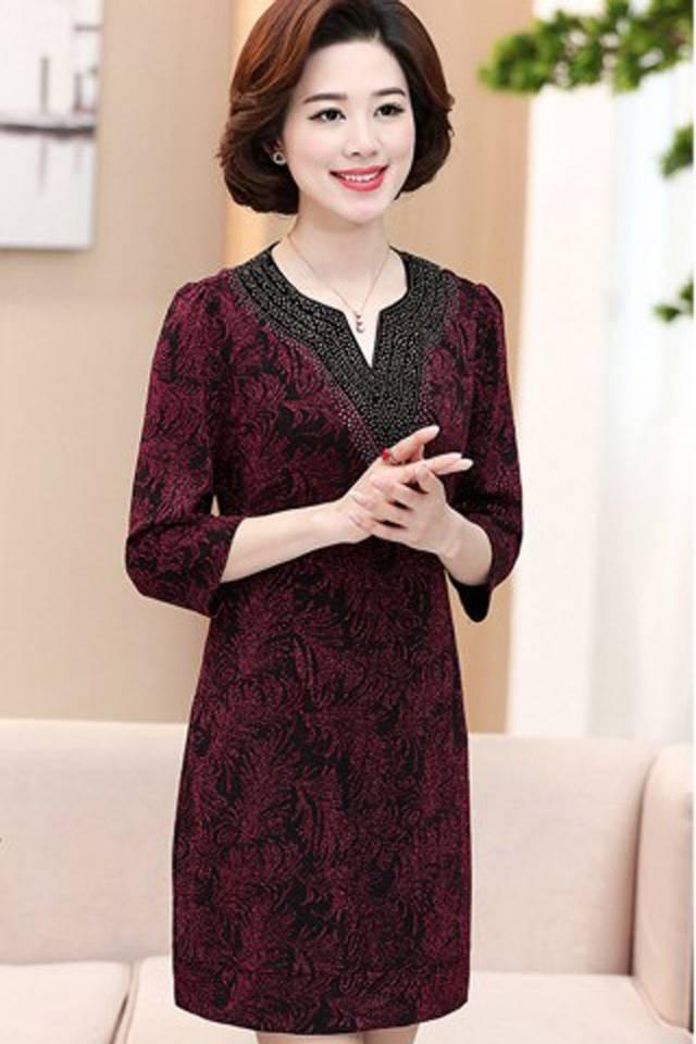 Những gam màu váy đầm công sở nào phù hợp tuổi trung niên