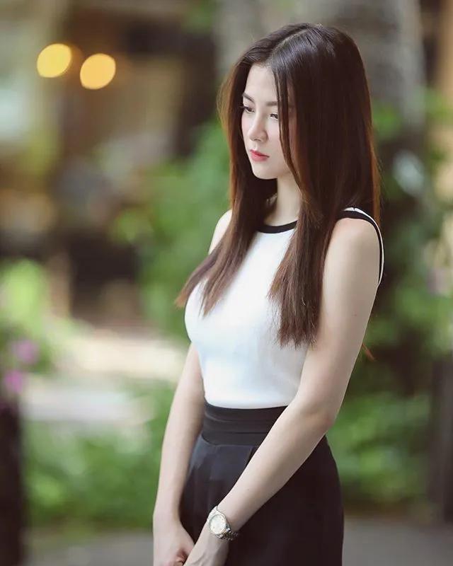 gu thời trang của nữ diễn viên chiếc lá cuốn bay