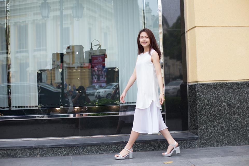Chiếc đầm thích hợp để diện đi làm, hội họp hay dạo phố