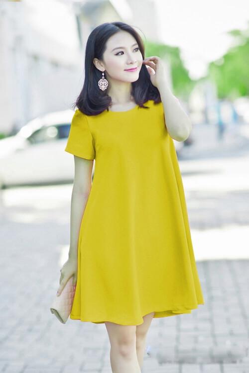 Đầm suông màu vàng