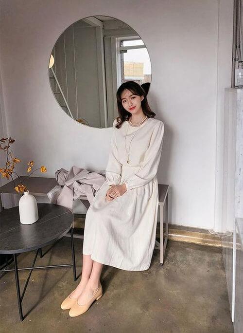 Đầm trắng cổ tròn tay dài