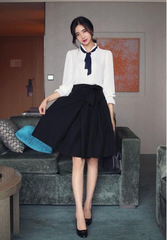 Chân váy xòe kết hợp áo voan