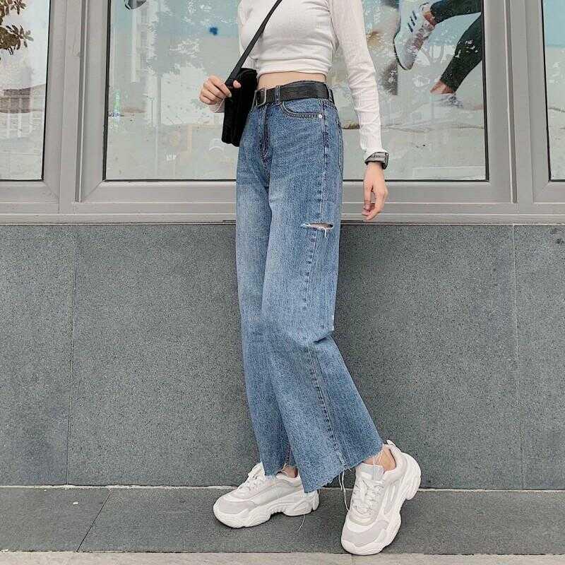 Mẫu quần jean ống rộng nào đang được chị em ưa chuộng
