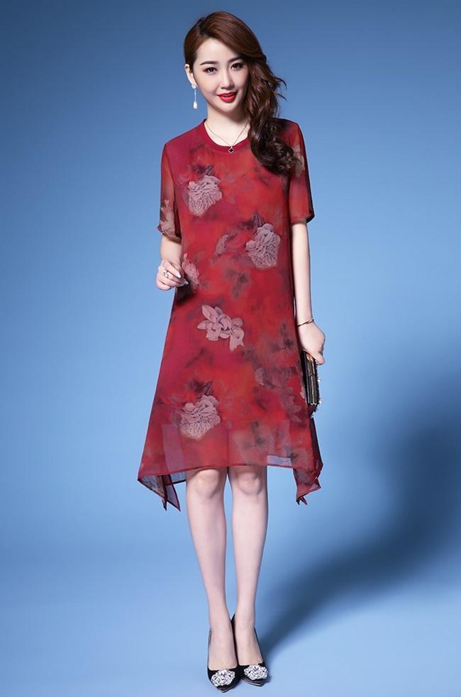 Đầm suông hoa màu đỏ mận