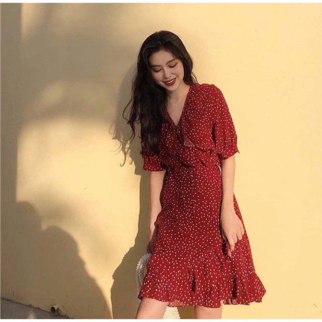 Đầm hoa màu đỏ mận đuôi cá