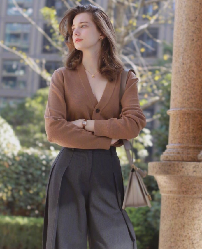 7 gợi ý trang phục cho chị em tuổi 30 thêm phần lôi cuốn